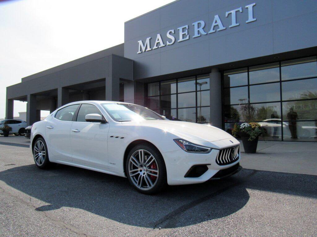 Đánh giá nhanh giá bán Maserati Ghibli S 2019