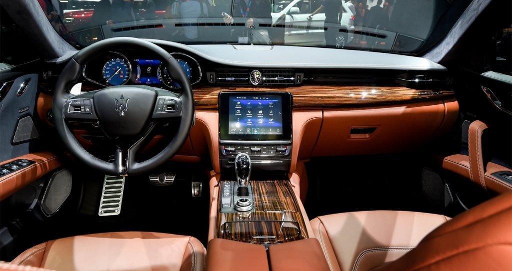 Choáng ngợp với Maserati Quattroporte 2019 bằng xương bằng thịt