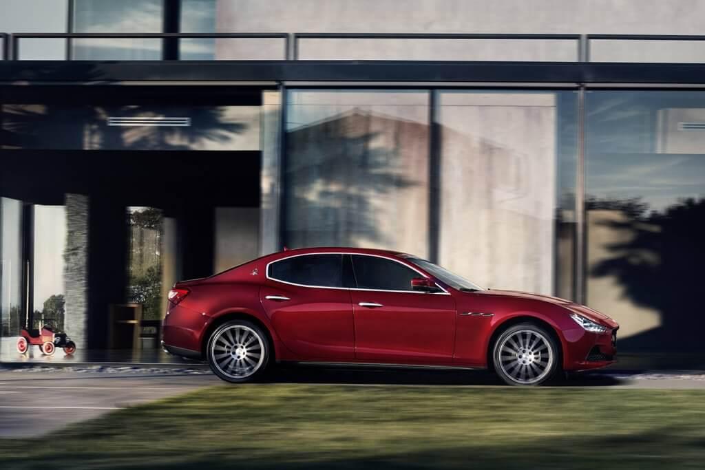 Maserati Ghibli 2019 mới mang nhiều tính năng đặc sắc
