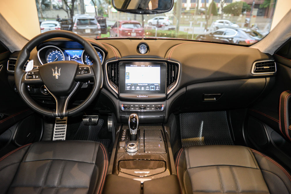 Maserati Ghibli GranSport - sedan tầm trung chất thể thao giá hơn 7 tỷ đồng tại Việt Nam