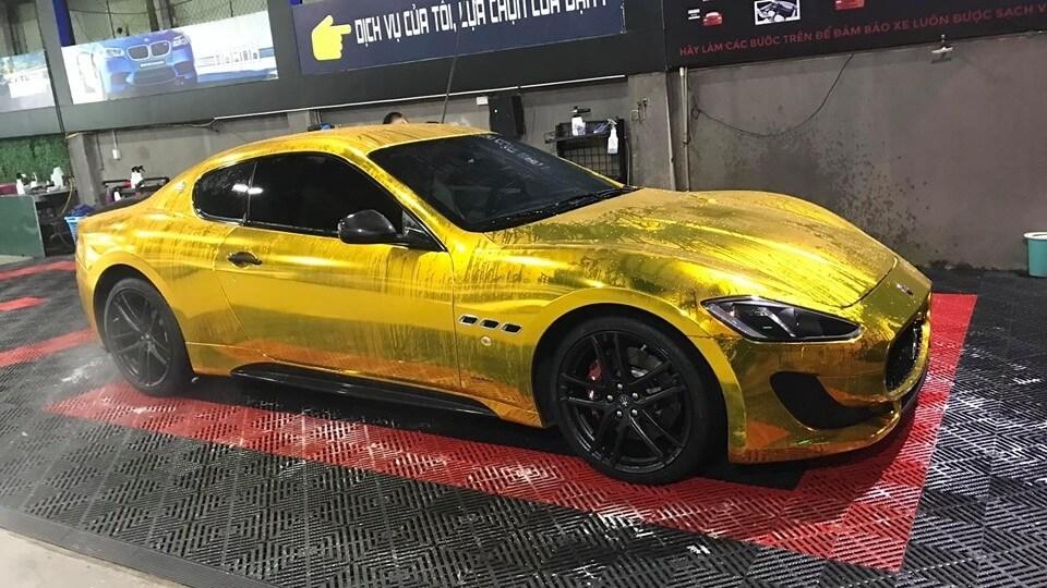 """Maserati GranTurismo MC Sportline """"dát vàng"""" diễu hành trên phố Hà Nội"""