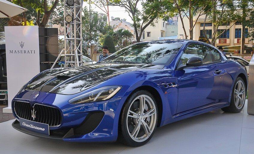 Siêu xe Maserati GranTurismo MC Stradale của Ý lăn bánh trên đất Việt