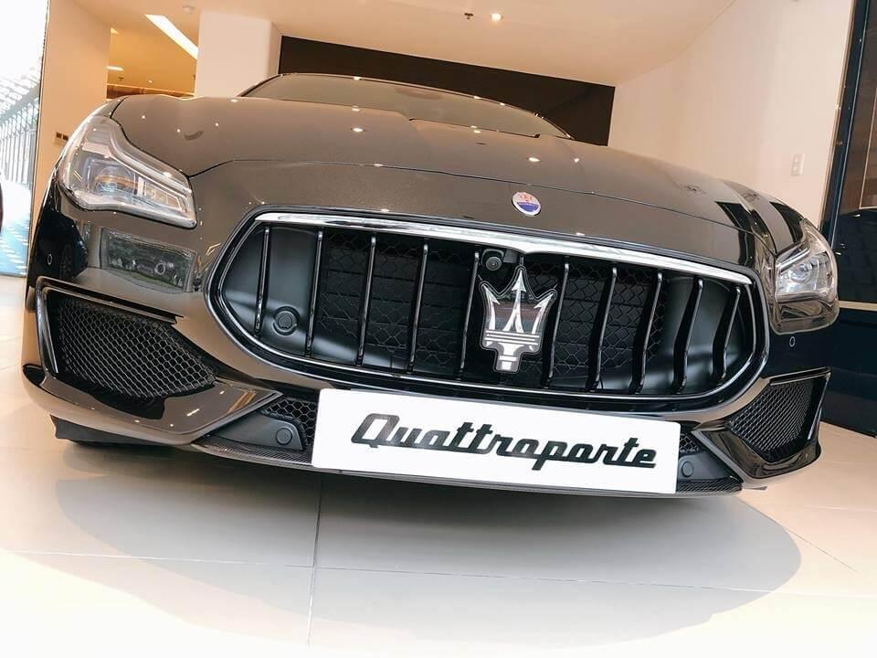Siêu xế Maserati Quattroporte Nerissimo Edition quậy tung thị trường Việt Nam