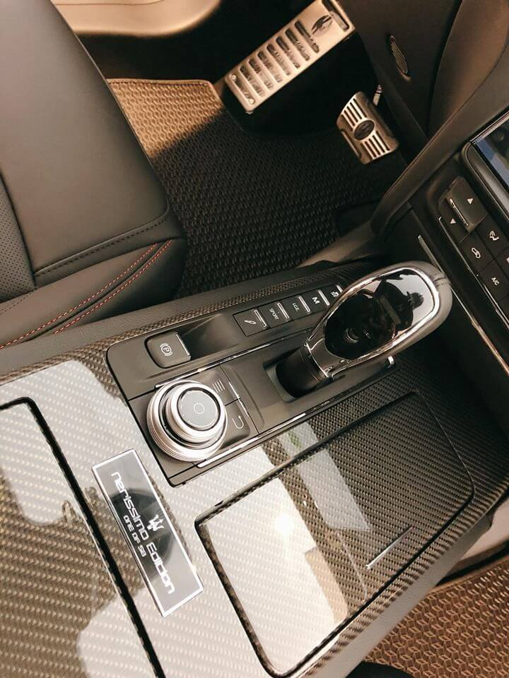 Viên ngọc Maserati Quattroporte Nerissimo Edition có những gì khi đến Việt Nam