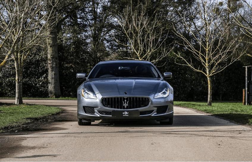 So sánh khả năng vận hành Maserati Quattroporte và Porsche Panamera
