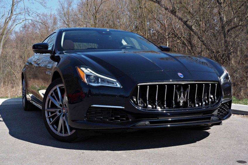 So sánh tiện nghi và an toàn Maserati Quattroporte và Porsche Panamera